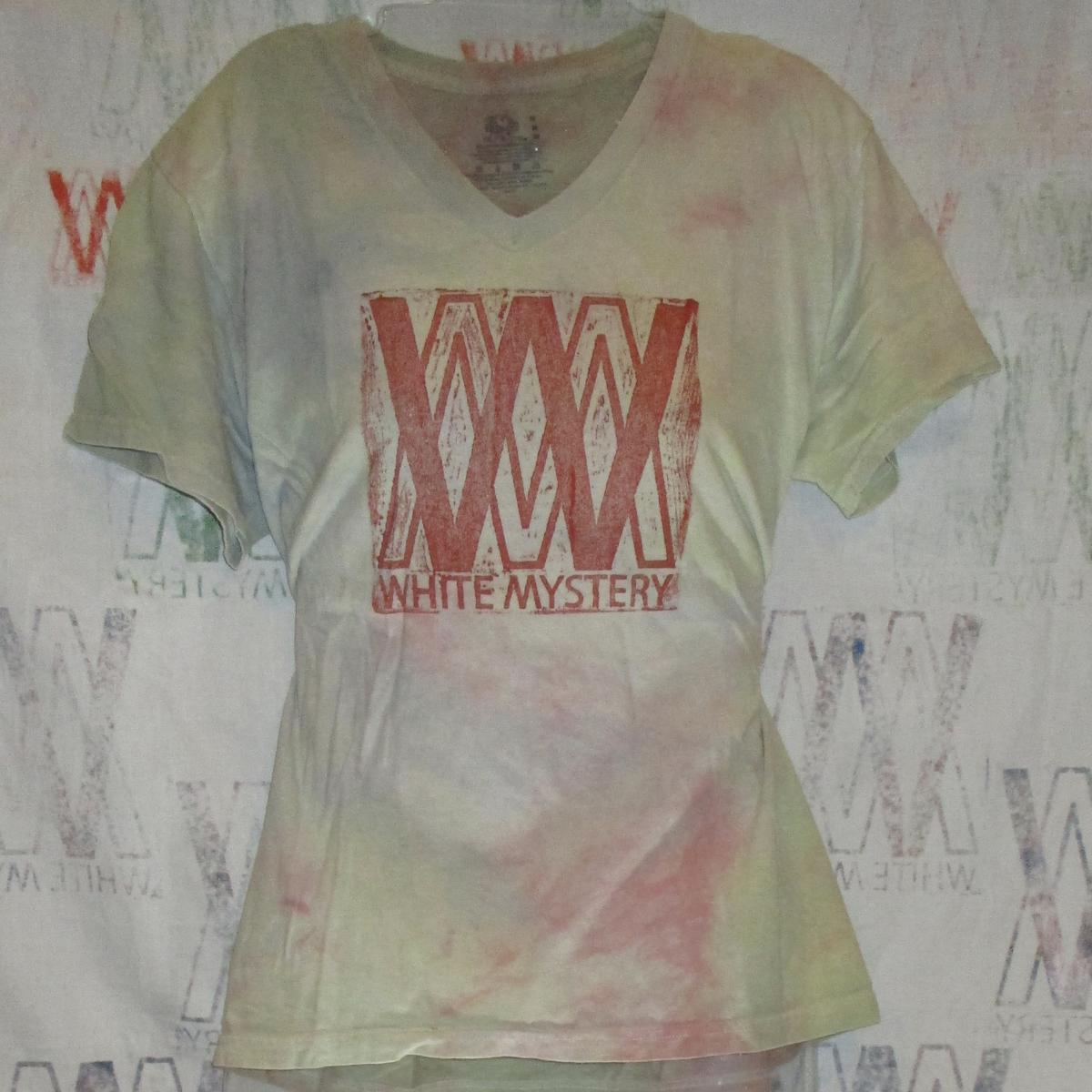 Red on Mood Ring Shirt, Date Unknown